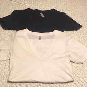 2 v neck t shirts